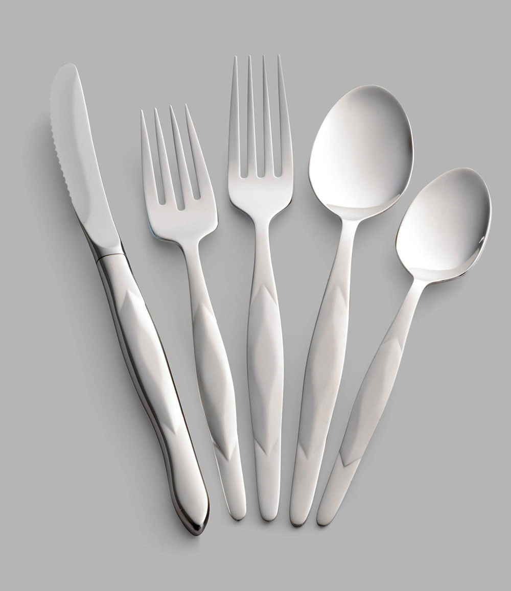 5 Pc. Stainless Place Setting With Stainless Table Knife