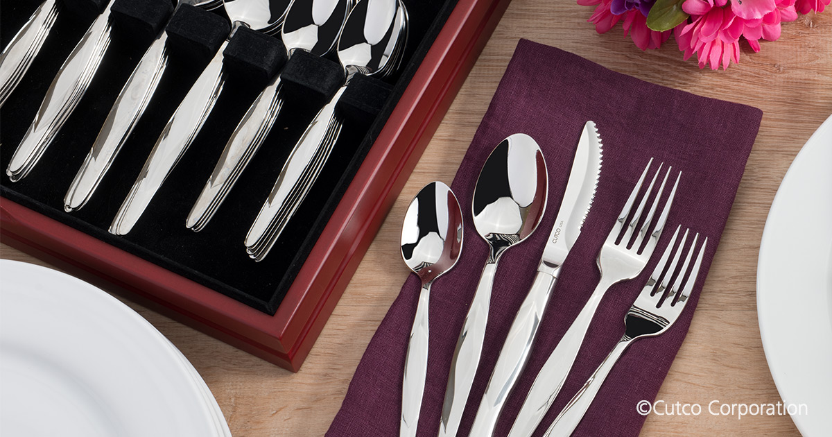 60 Pc Stainless Place Settings In Free Chest Service